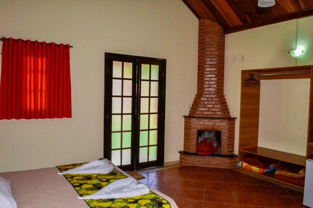 Chalé com lareira - Hotel Fazenda Floresta do Lago